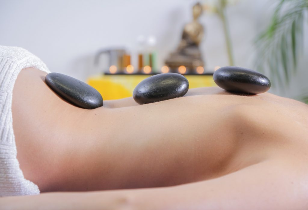 massage-2717431_1920-1.jpg